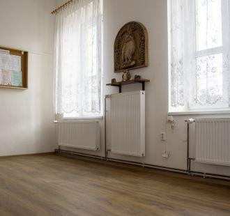 Nová podlaha v obecní knihovně Bělov