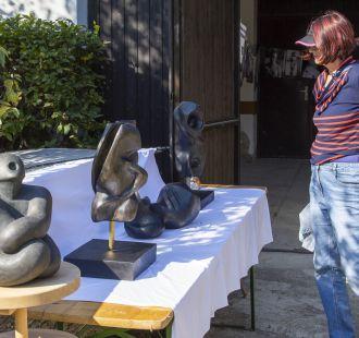 Výstava na louce