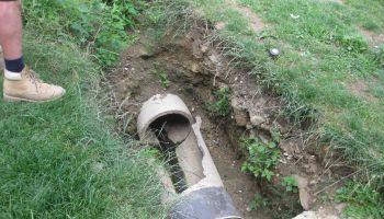 Oprava kanalizace na pastýrňách