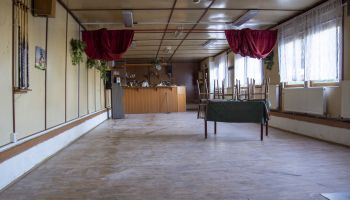 Nová podlaha, obecní areál