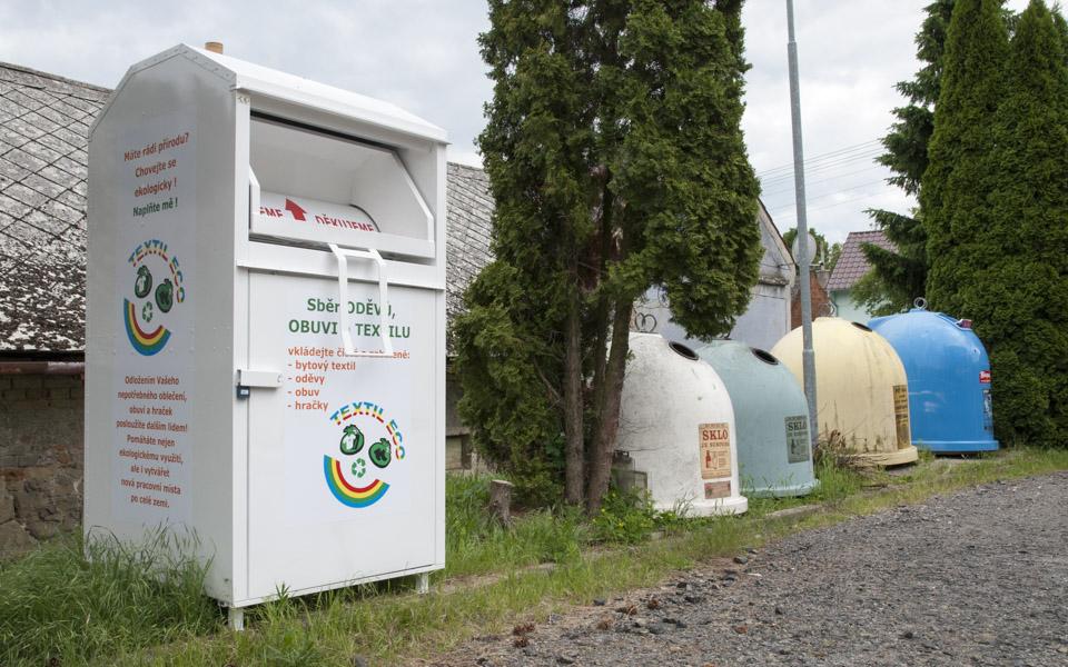 Třídění odpadu, oděvy