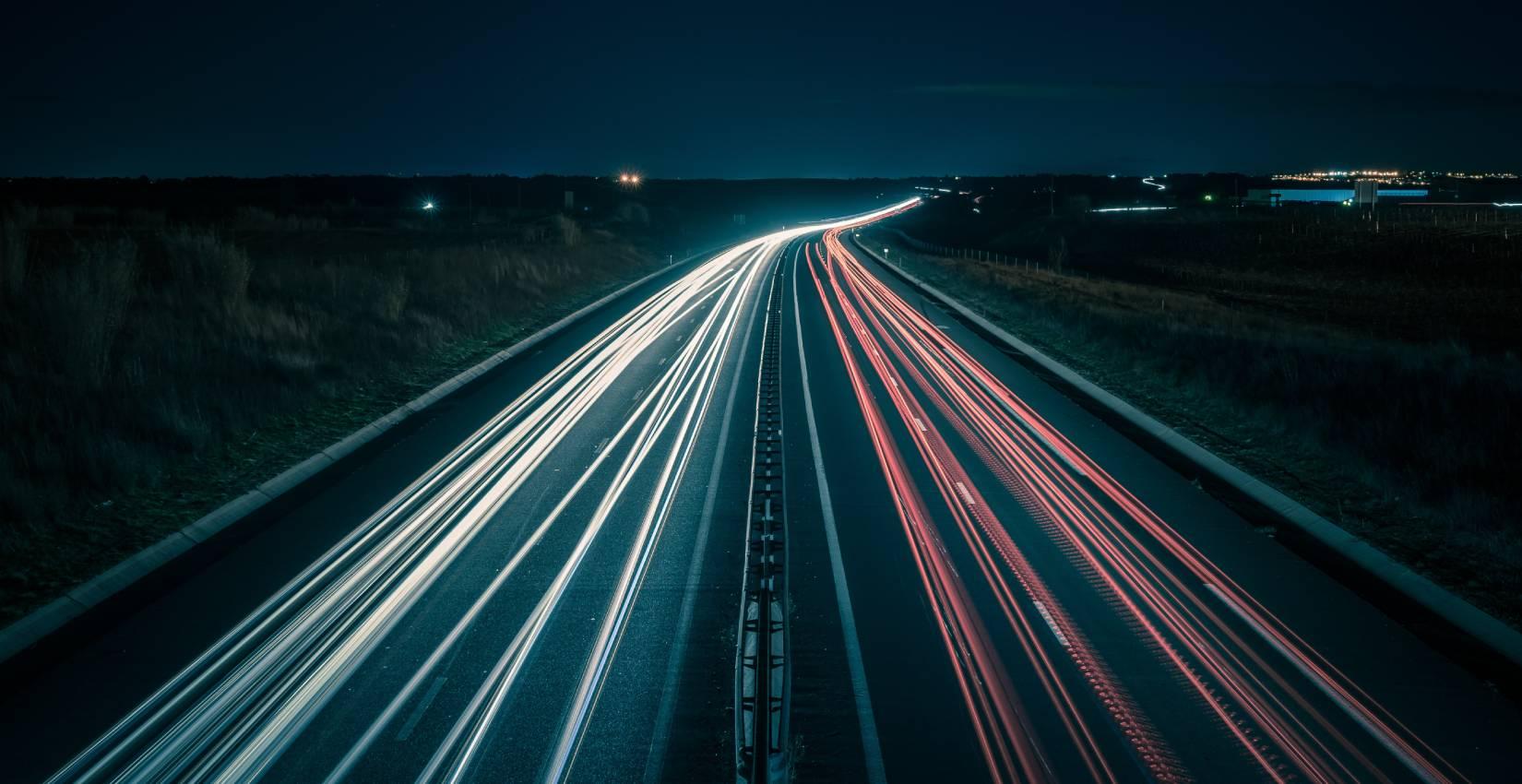 Havarijní stav dálničního přivaděče vyžaduje okamžitou opravu